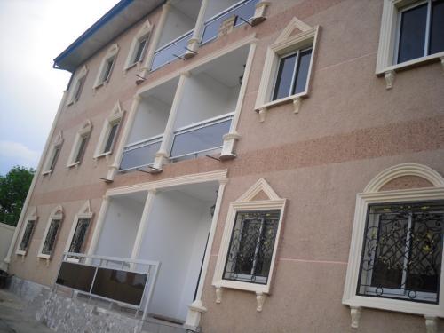 Immeuble de 06 appartements à  vendre à  Mvan,Yaoundé