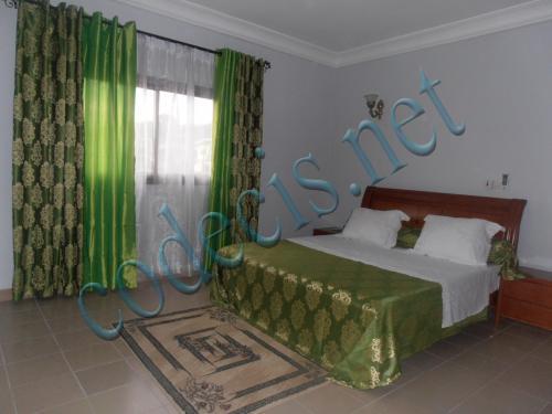 image du bien  : Studio meublé de grand standing à  louer à  Biyem Assi, Yaoundé