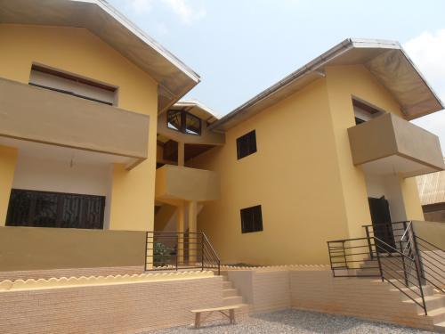 Immeuble de 04 appartements à  vendre, Emana