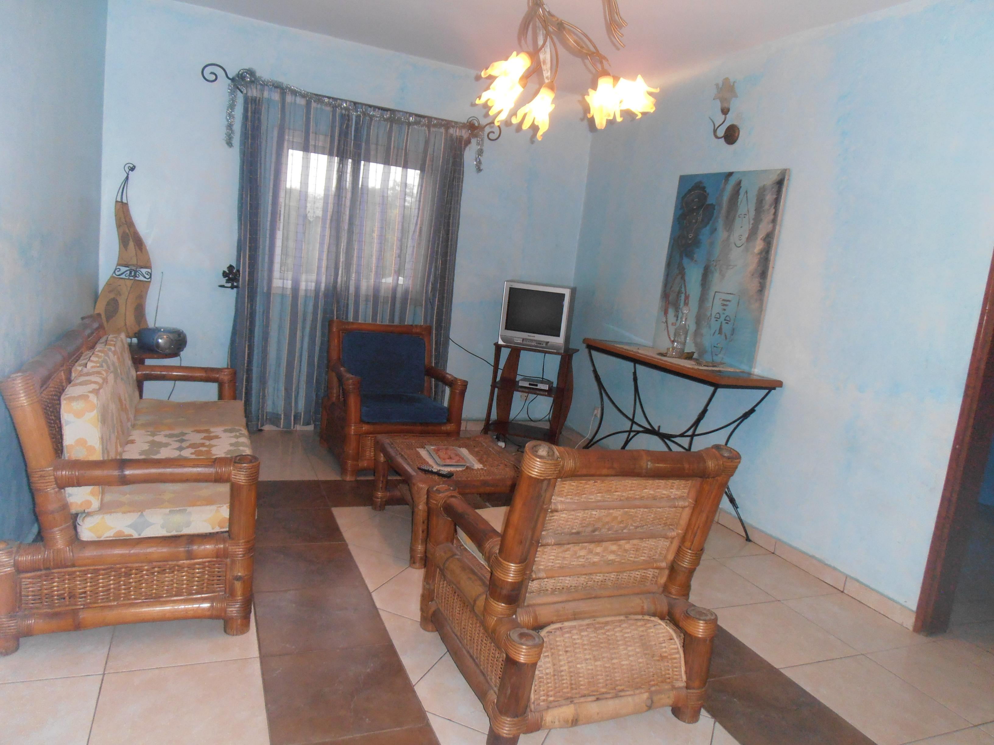 image du bien  : Studio meublé, climatisé, à  louer à  Elig Essono, Yaoundé