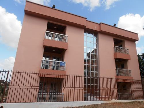 image du bien  : Appartements de 02 chambres à louer à Omnisports, Yaoundé