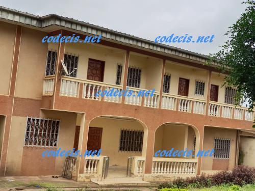 Villa en duplex de 06 chambres à vendre à Etoudi, Yaoundé