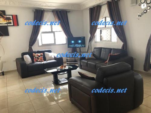 image du bien  : Villa meublée de 03 chambres, avec piscine à louer à Odza, Yaoundé