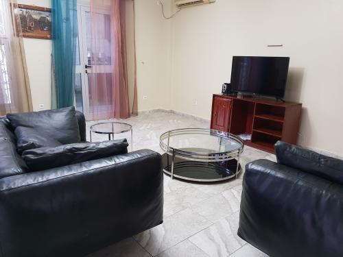 image du bien  : Studio meublé à louer au Golf, Yaoundé