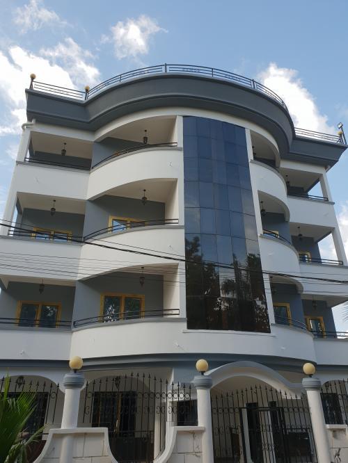 image du bien  : Appartement de 03 chambres à louer à Bastos, Yaoundé