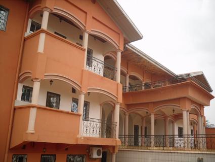 image du bien  : Appartements de 02 chambres à  louer à  Mvan, Yaoundé